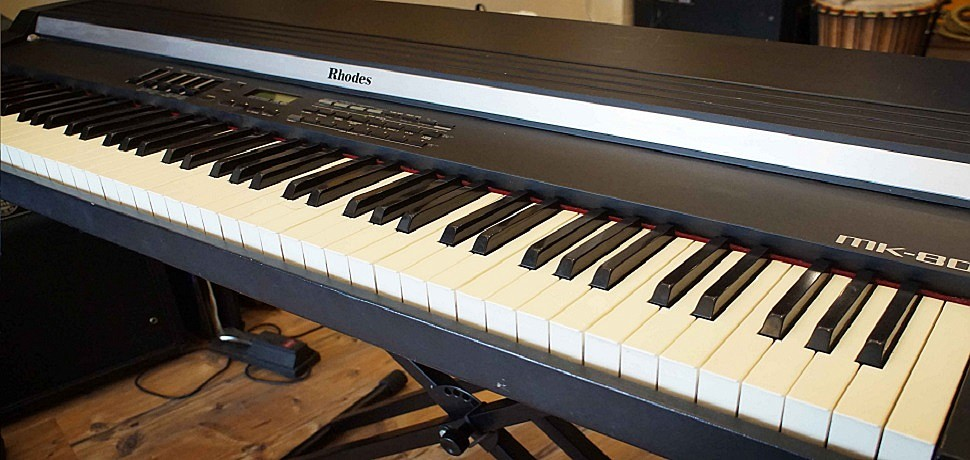 KMP-Korg - (Roland MK80 Rhodes E-Piano Sounds) With Layers - from Reuben - - - Buradan Bedava İndir - Free Download Here