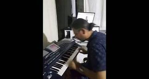 Pa800 ile Ayhan TOPÇU'dan Batı ve Arabesk Tadında Harika Bir Piyano Dinletisi - (Süper Takılmaca + Yalnızım Dostlarım )